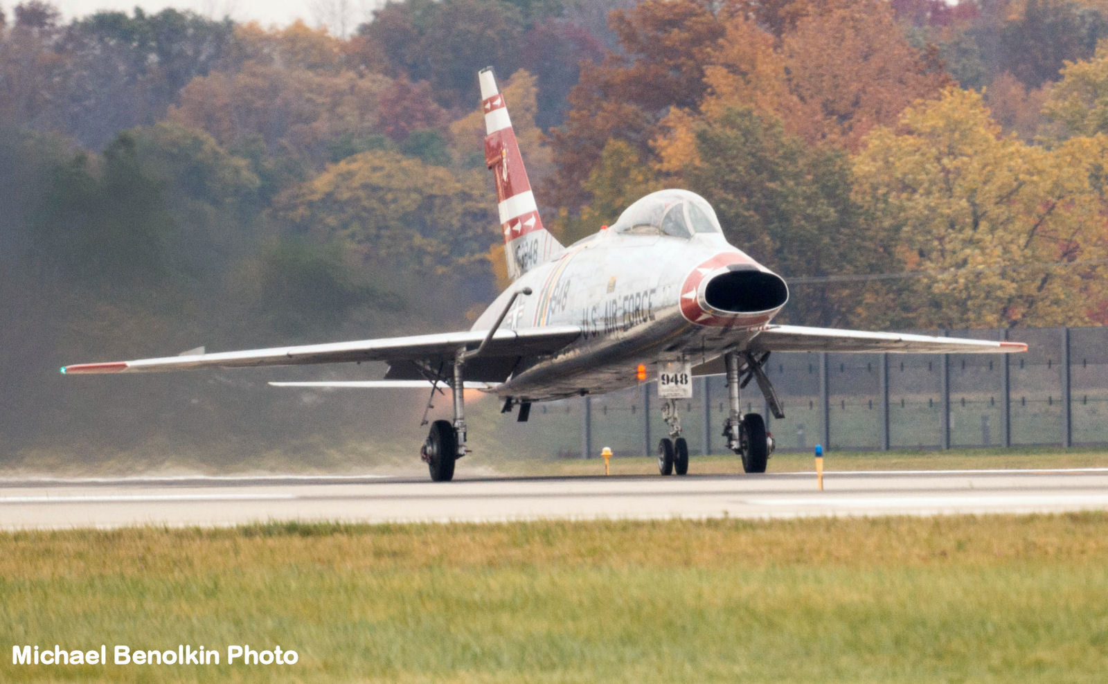 F-100F Super Sabre Autumn 2015 Flight Image 03